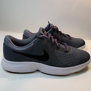 Nike Revolution 4- Kids
